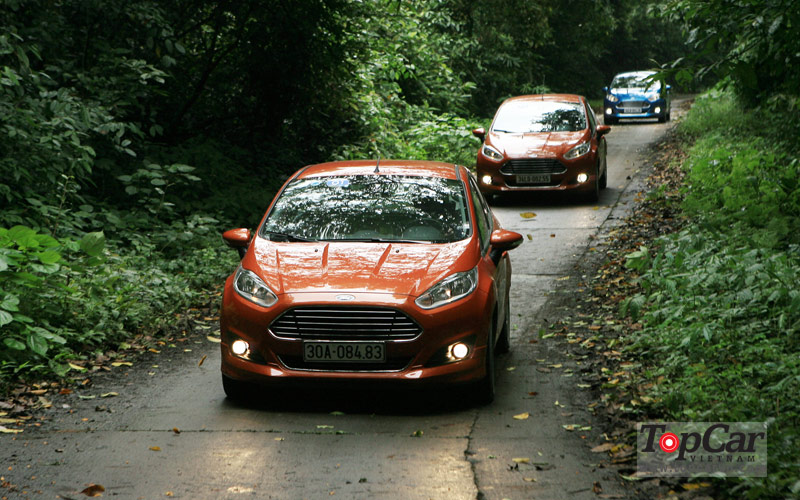 Ford_Fiesta_Ecoboost_2014_15