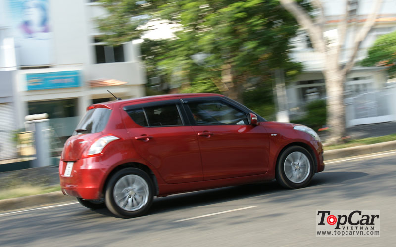 Suzuki_Swift_2014_2