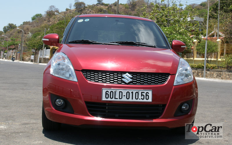Suzuki_Swift_2014_5