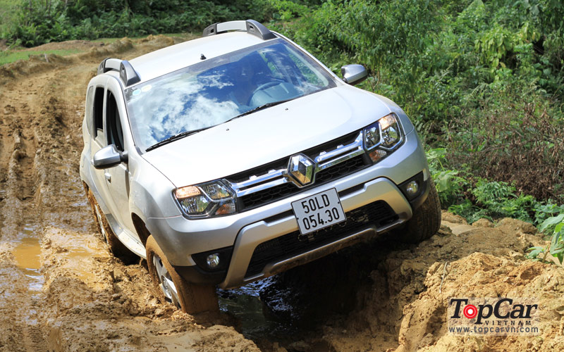 Renault_Duster_2015_NS_1