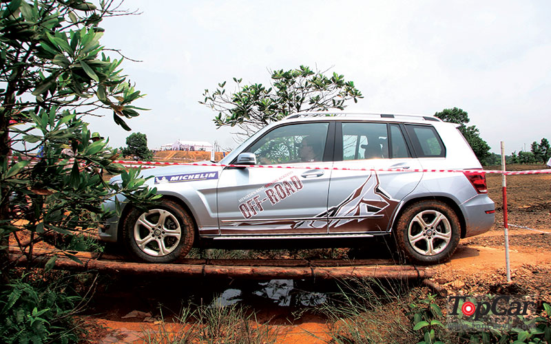 mercedes_offroad_driving_4