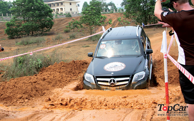 mercedes_offroad_driving_6