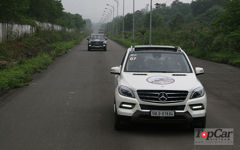 mercedes_offroad_driving_9