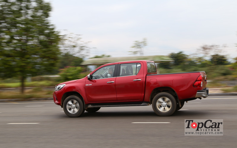 toyota_hilux_2016_offroad_7